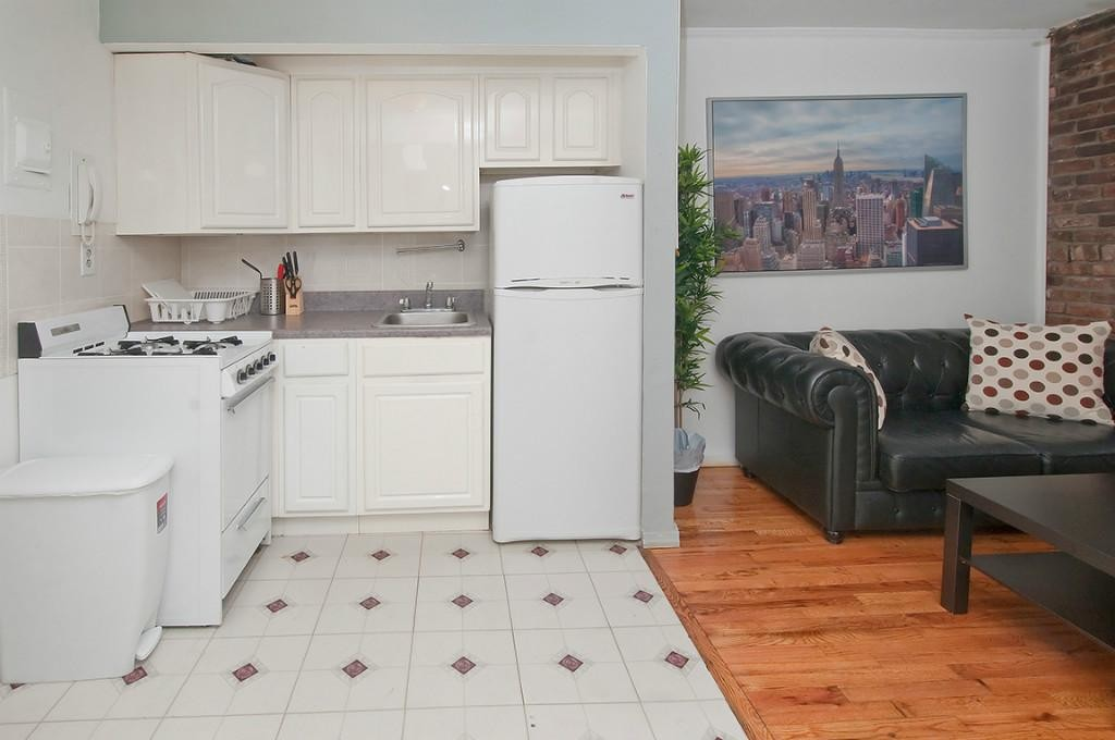 MURRAY HILL 2 BEDROOM APARTMENT FOR RENT-QUIET 2 BEDROOM IN ELEVATOR/LAUNDRY BUILDING