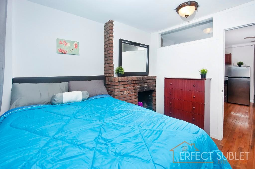 (Perfect Sublet #1047) Furnished 2BR in Elevator/ Laundry building