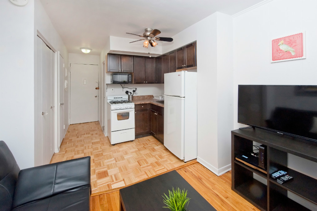 MURRAY HILL 1 BEDROOM APARTMENT FOR RENT-CHARMING 1 BEDROOM IN ELEVATOR BUILDING
