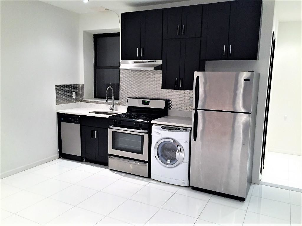 UPPER WEST SIDE 2 BEDROOM APARTMENT FOR RENT    RENO FURNISHED 2 BR/1 BA APT NEAR CENTRAL PARK: