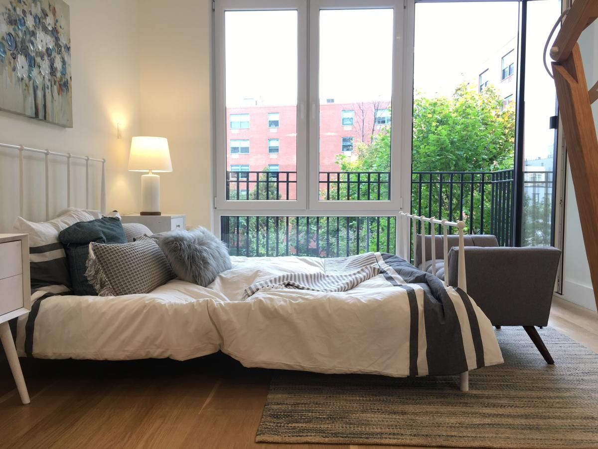 STUNNING 3BR APT IN A LUXURY BUILDING IN STUYVESANT HEIGHTS!