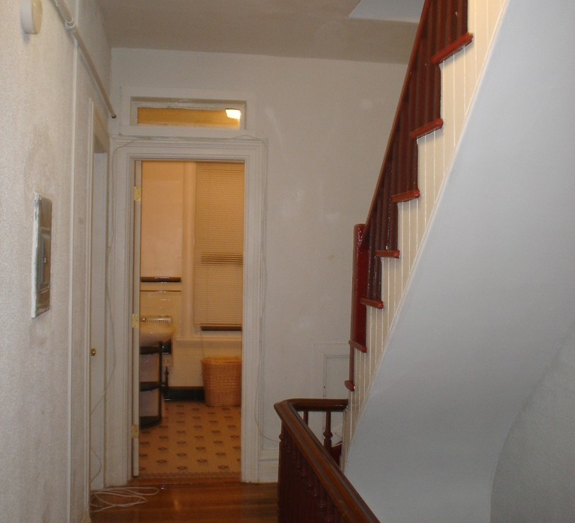 44 Remsen Avenue, 2nd Floor Semi-Studio(s)