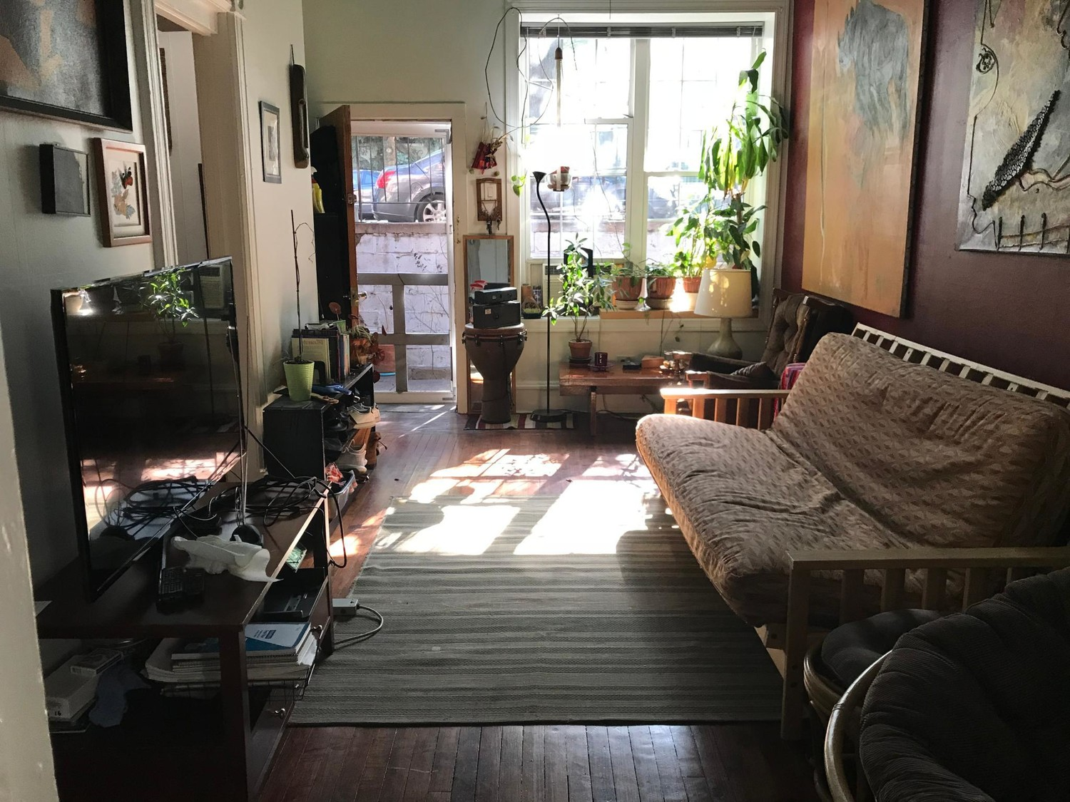 Female Roommate needed /Wicker Park
