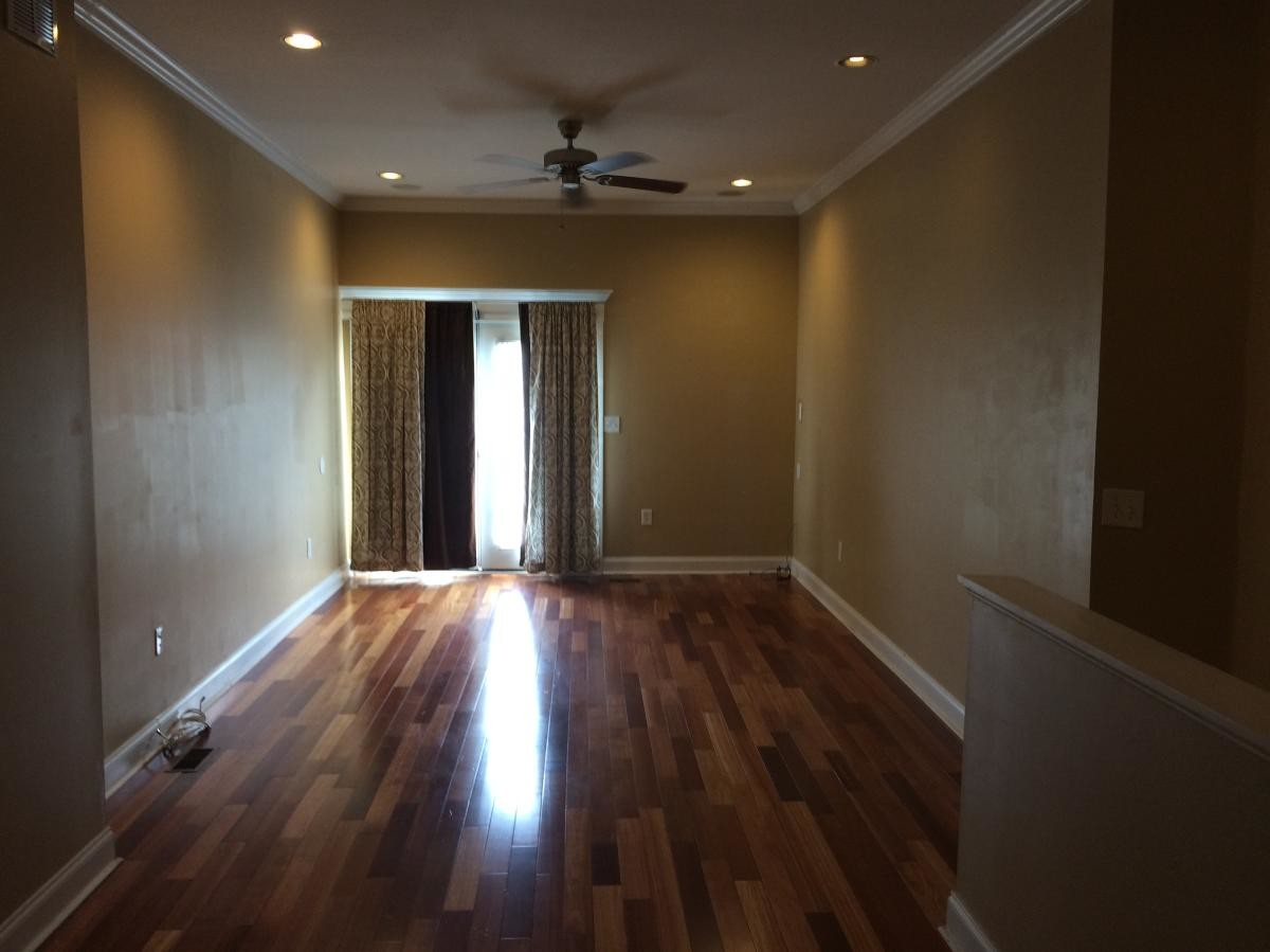 Spacious Master Bedroom and Bathroom Available in Fed Hill Rowhouse