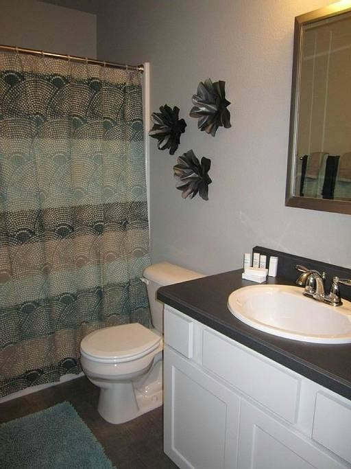 Gorgeous Furnished 2 Bd Apt--All bills paid.