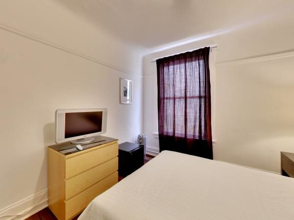 Private furnished room in heart of Union Square!