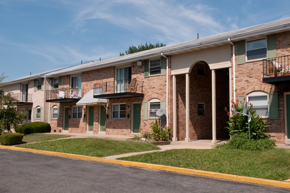 Jamestown Square Apartments