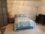 Comfortable furnished room in private home in close-in North Arlington -- Free parking