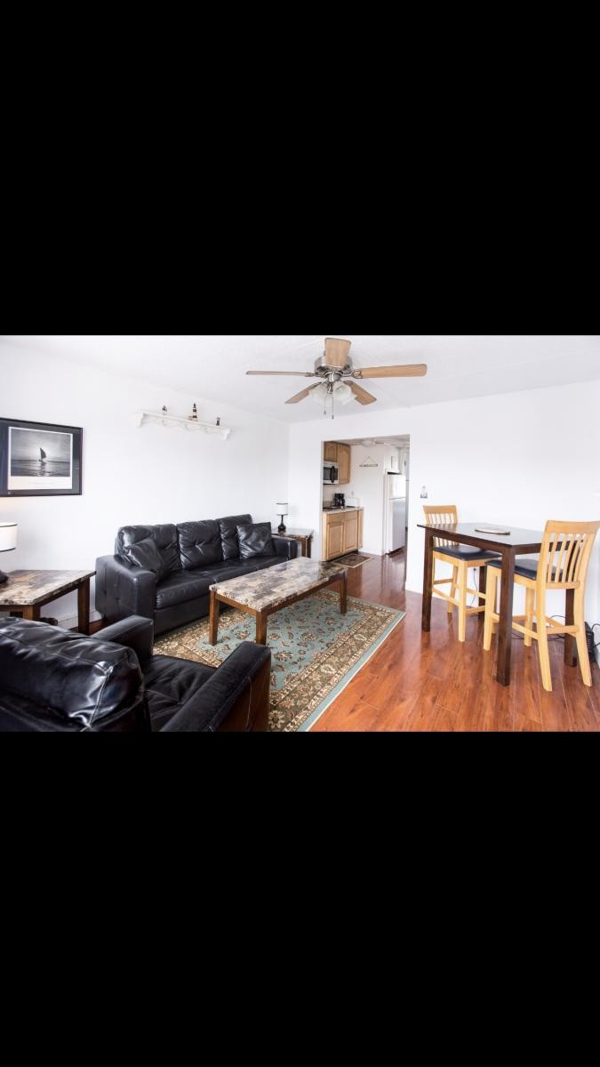 Winter Rental - Available now - 1 bed / 1 bath Condo - 2 blocks from beach & boardwalk.