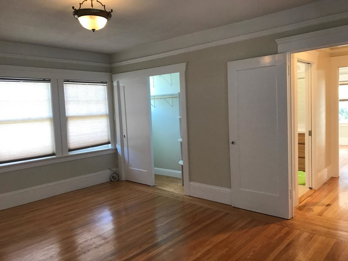 Room for Rent in a Cozy House located in Ingleside(3)