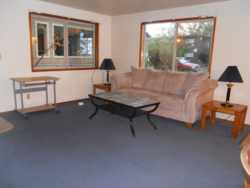 2 beds + 1 bath apartment - I am looking for someone to take over my lease