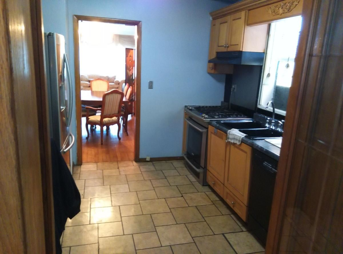 Room for Rent in a Beautiful 2 Flat Home