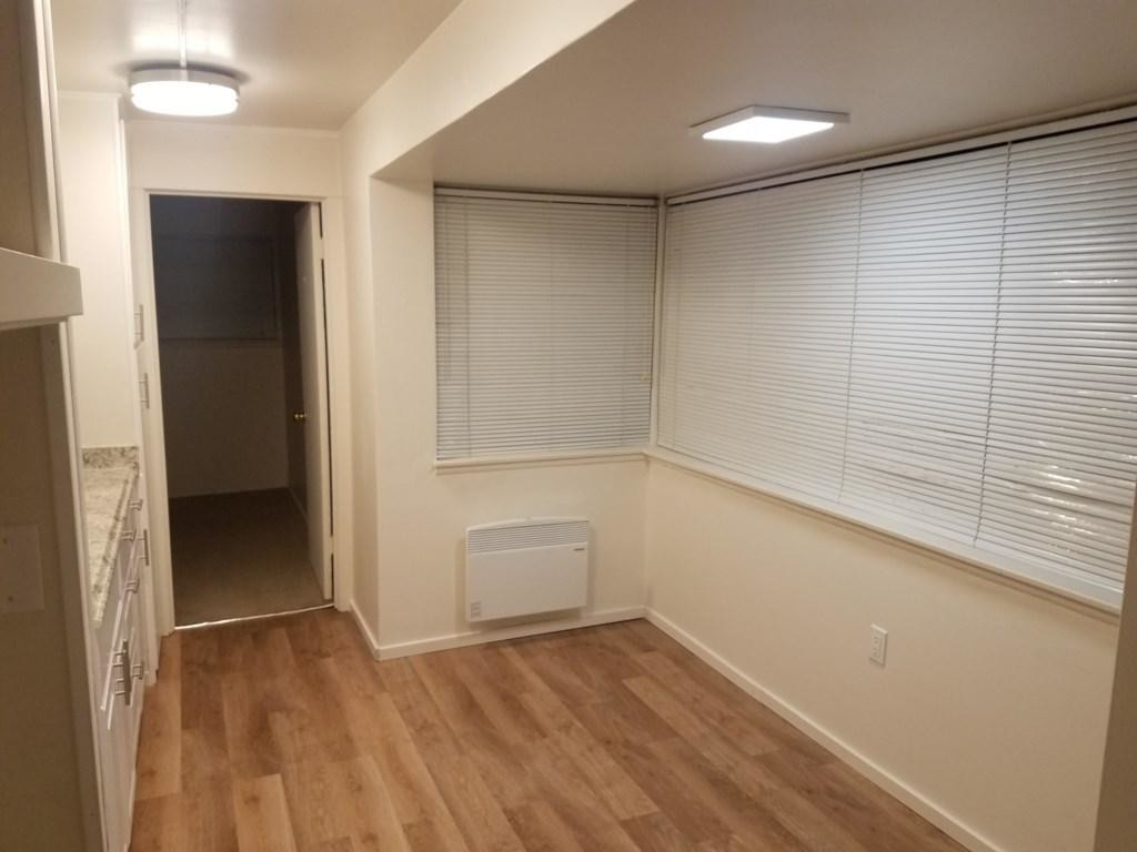 True 1 Bedroom in Shamrock Apartments #205
