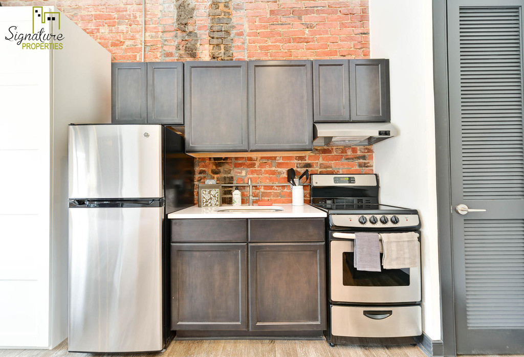 This tastefully furnished studio apartment will make you feel right at home in the Capitol Hill neighborhood