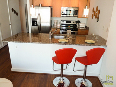 Beautiful 2 bedroom, 1 full bathroom 832 sq. ft apartment on the 5th floor