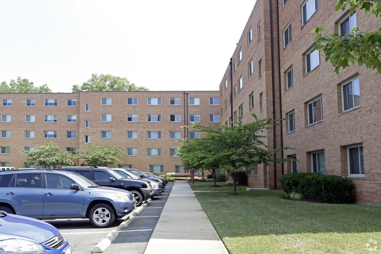 Wood-Lee Arms - 1 Bedroom Apartment