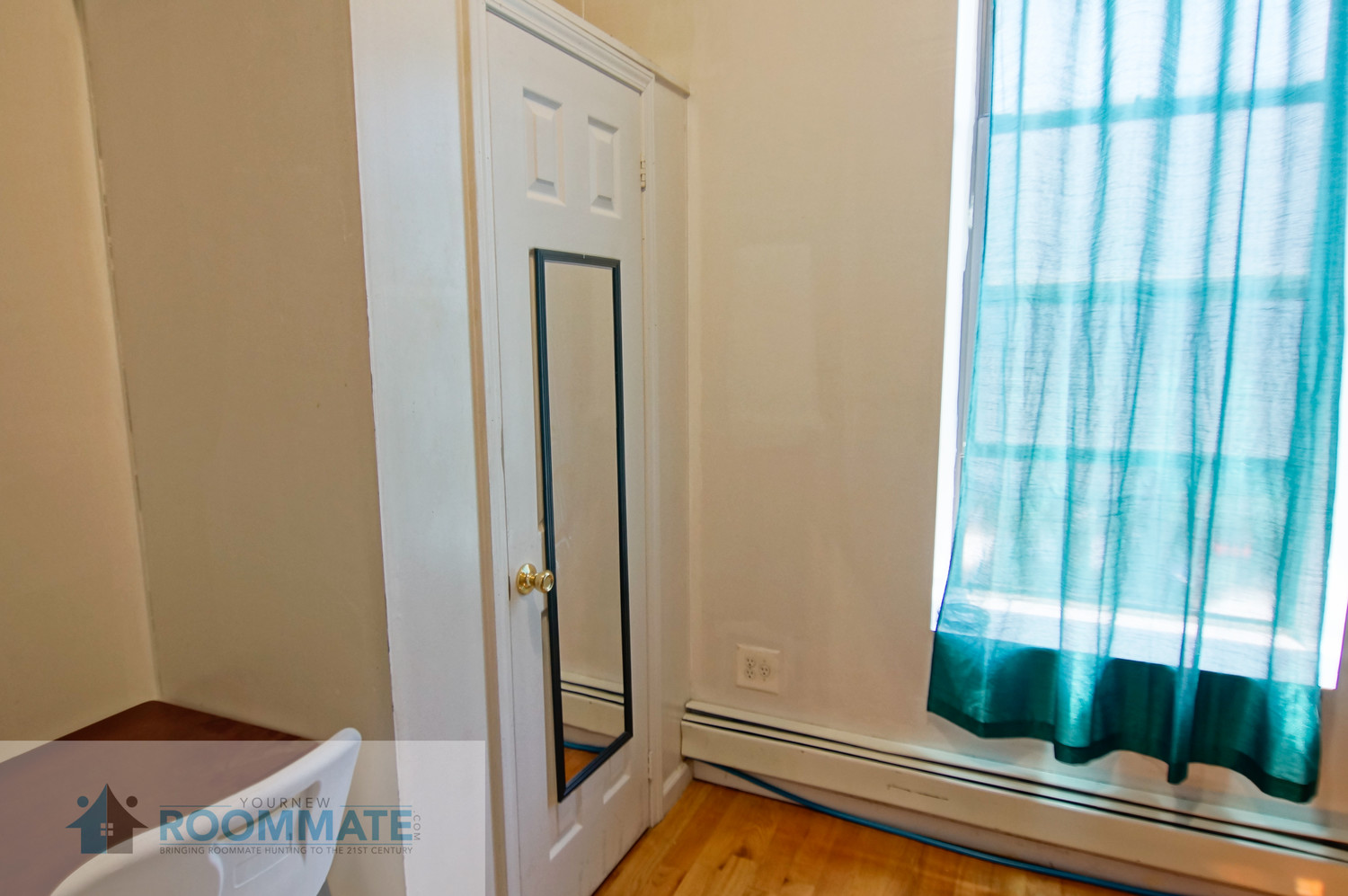 Fully furnished, have access to WiFi and is near train station and other types of transportation.