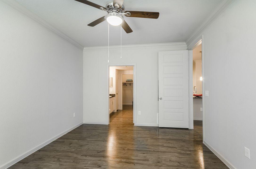 Luxury 1 Bedroom 1 Bathroom Apartment For Rent (658sqft)