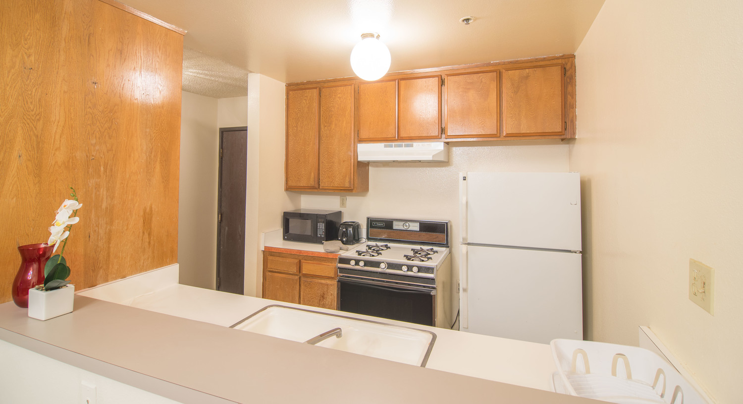 Private Room for Rent in 2Bed 2Bath Apartment in Westwood Gallery