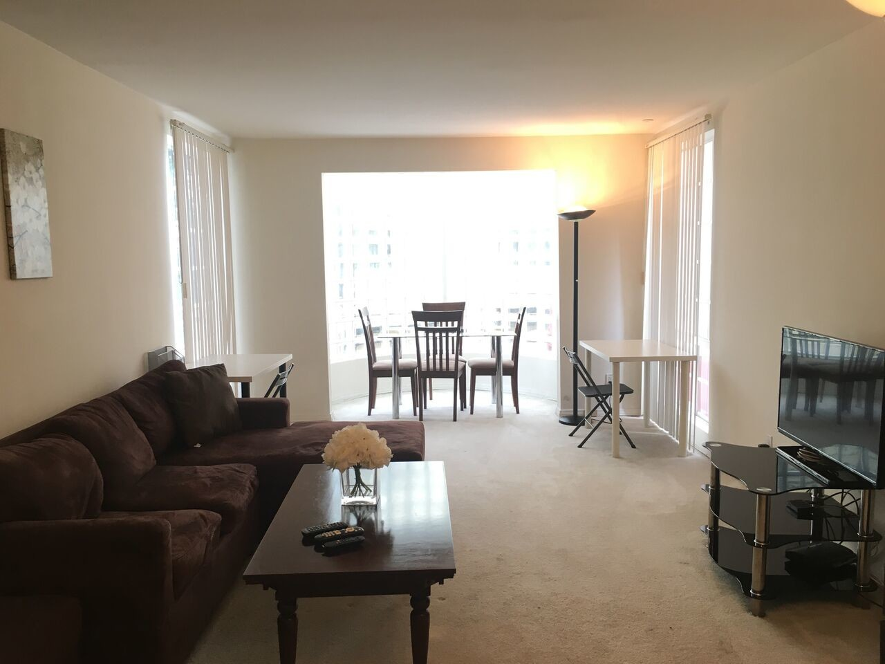 Private Room for Rent in 2Bed 2Bath Apt at Westwood Kelton Towers