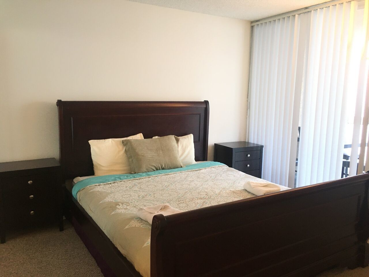 Private Room for Rent in 2bd 2bath Apt at Westwood Village Galleria