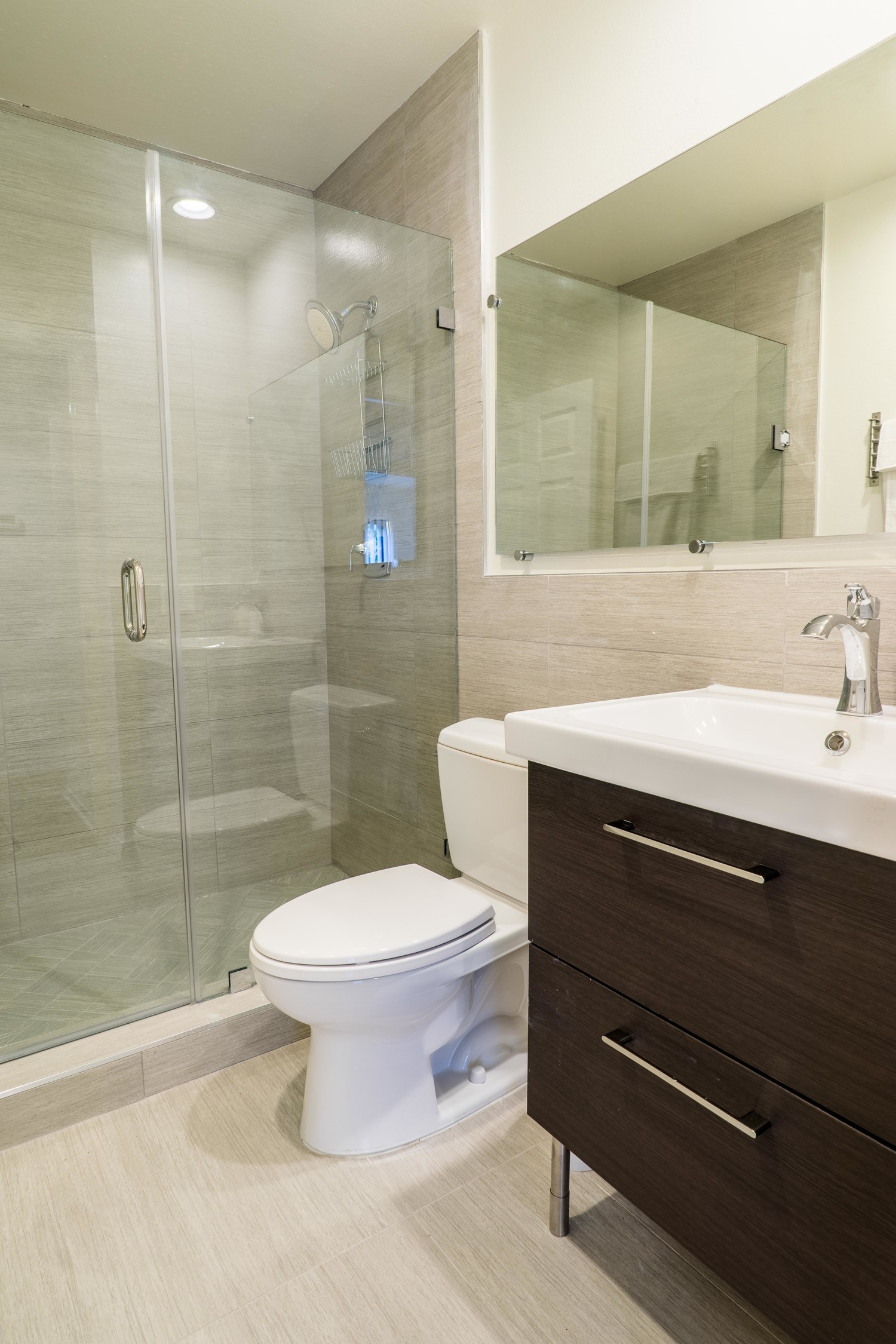 2bd 2 bath Loft room for rent at Pelham Ave Apts
