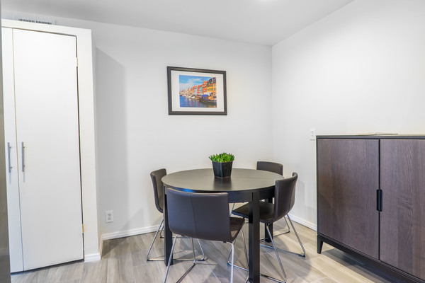 2 bd 2 bath shared room for rent at Wilshire Summit | Room