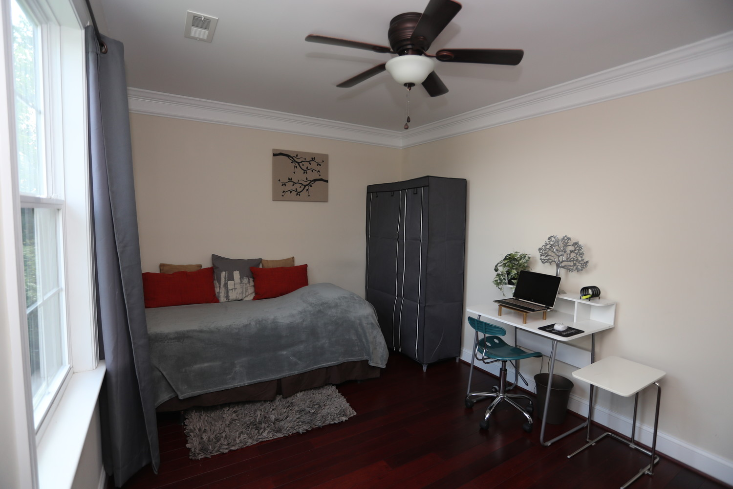 Summer Share Furnished Brookland BR - Private Entry - Parking Optional