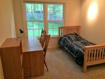 Twin Bedroom close to Loudoun Campus of NOVA (Northern Virginia Community College)