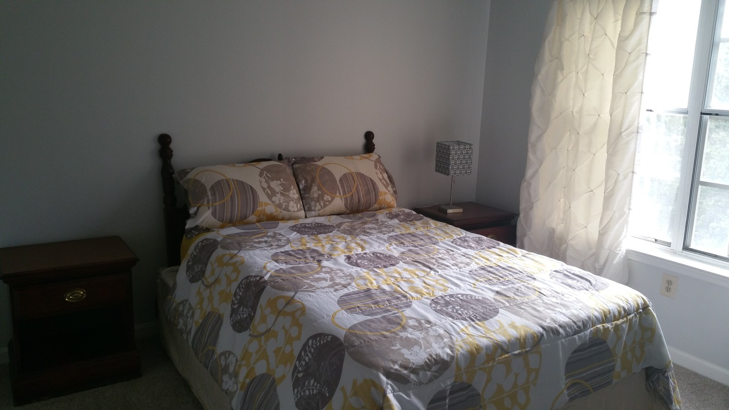 Great homestay near Van Dorn Metro room 3