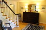 Full Bath, Kitchenette & Maid Service: Minutes to Marymount Univ., Chain Bridge to Washington, DC/Upper Georgetown