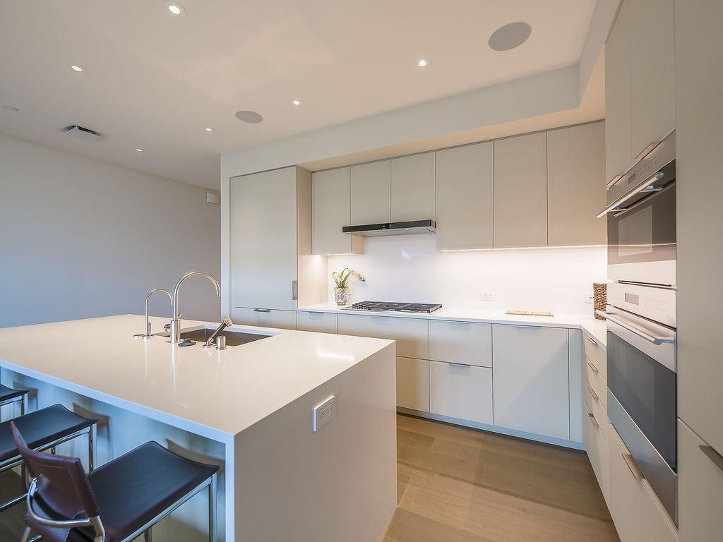 Amazing 2 Bedrooms for rent fully Furnished !