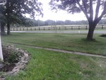Housing Near Town - Piano - Vegetable garden - Large Yard - Horse Farm area