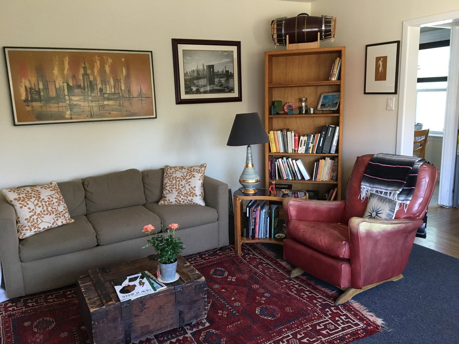 Two MATURE housemates in FANTASTIC 3-bd house (Mission)