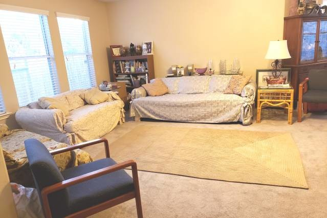 Sparkling Clean Furnished Queen Bed and Desk