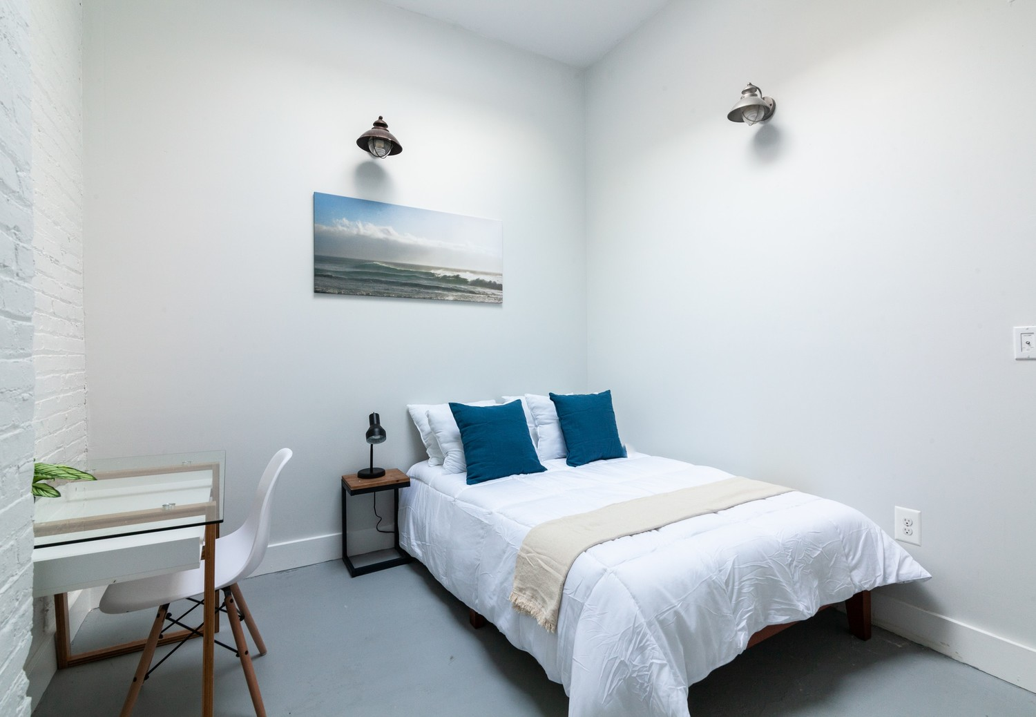 Free WiFi + Utilities - Fully Furnished Room