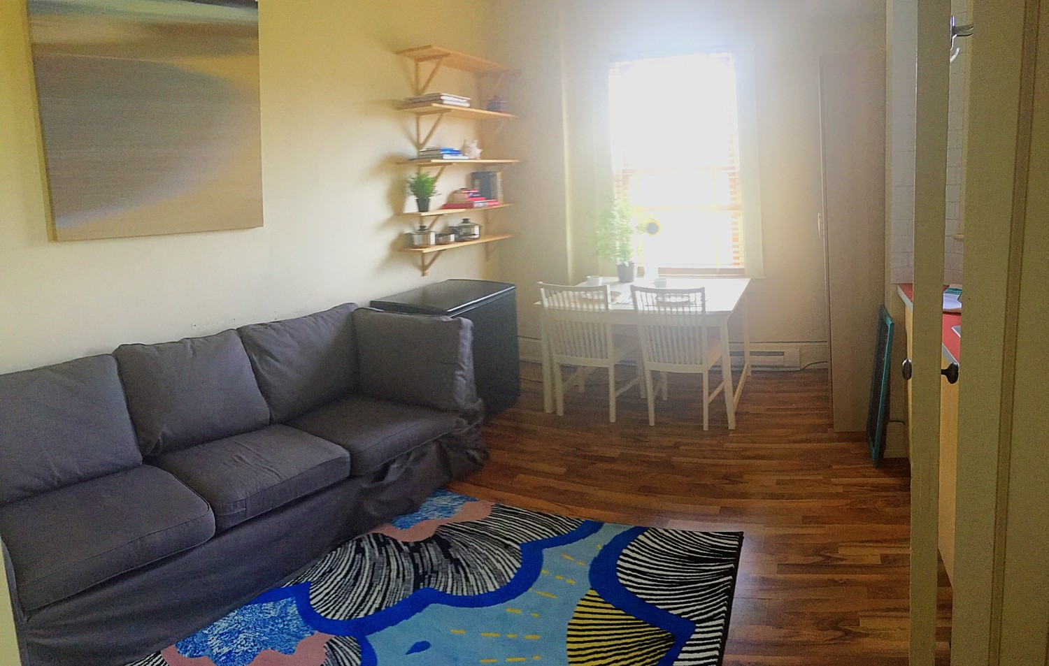 Sunny 1 Bedroom Apartment 5 min walk to George Brown Casa Loma Campus!