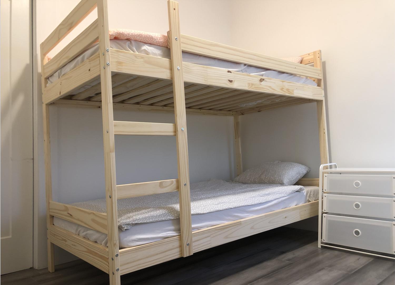 2 girl - SHARED room