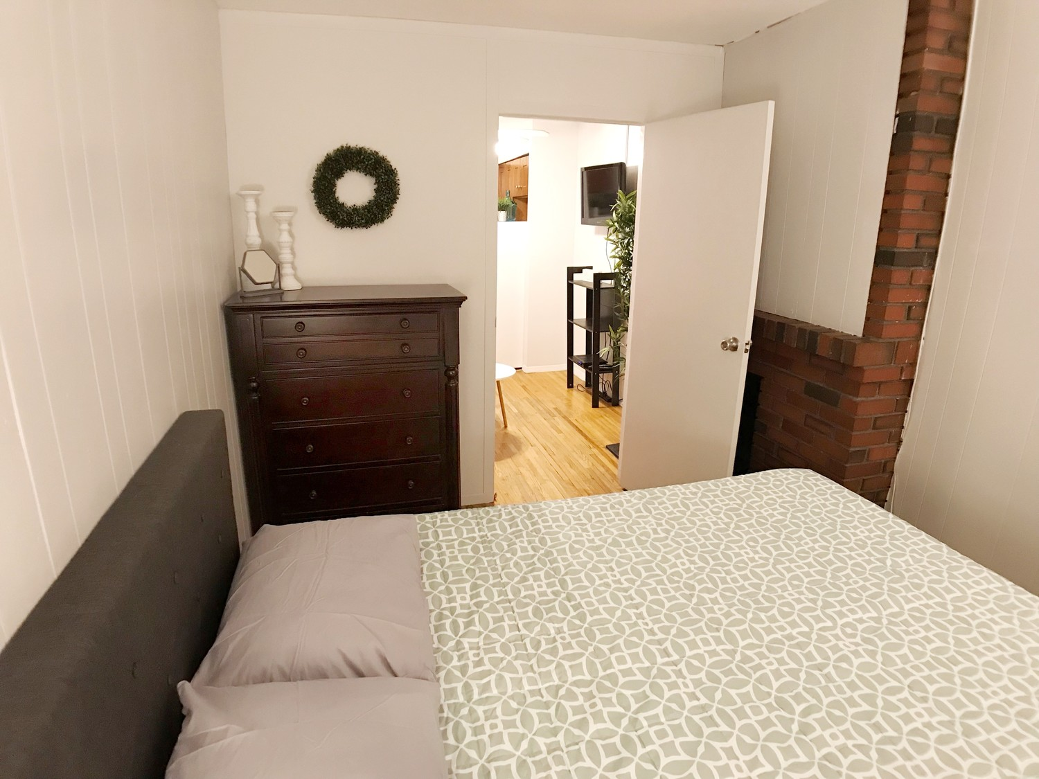 (Perfect Sublet #1006) Furnished 1BR +sofa bed in Elevator Building