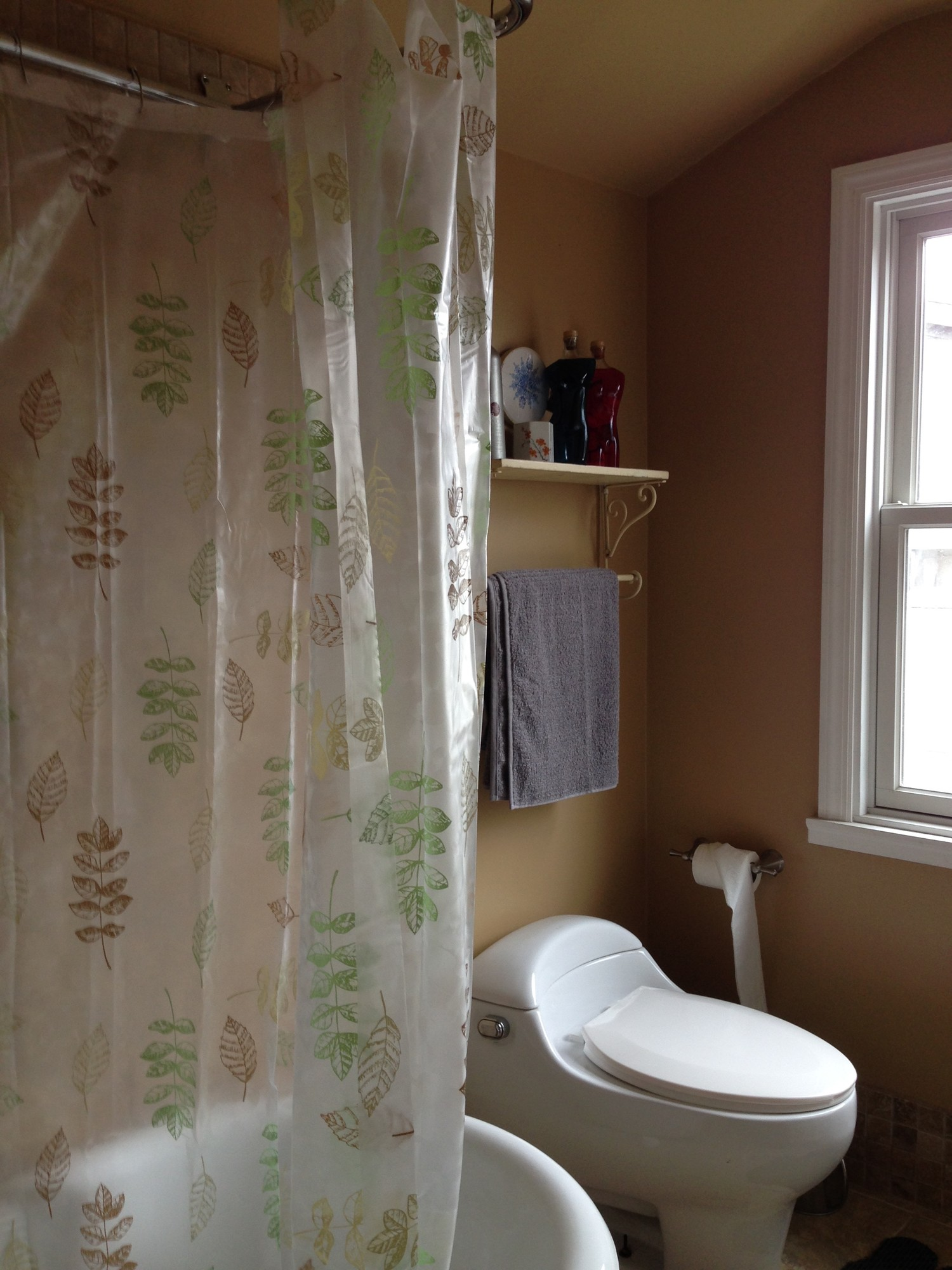 Spacious room with ensuite master bath