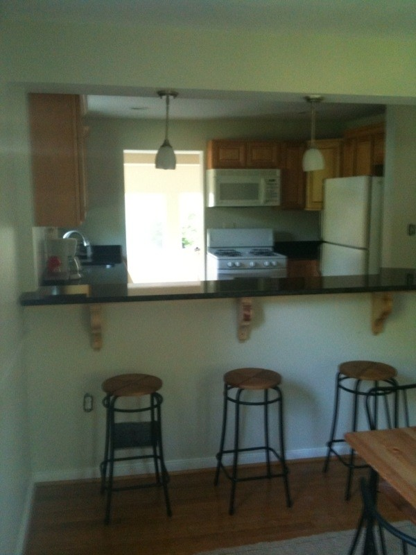$675 LARGE ROOM TO RENT/FREE UTILITIES/WIFI/TV/PARKING (CHEVERLY, MD)