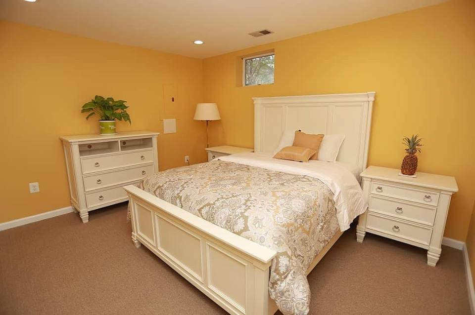 Bed and Breakfast with private room in Toronto, ON
