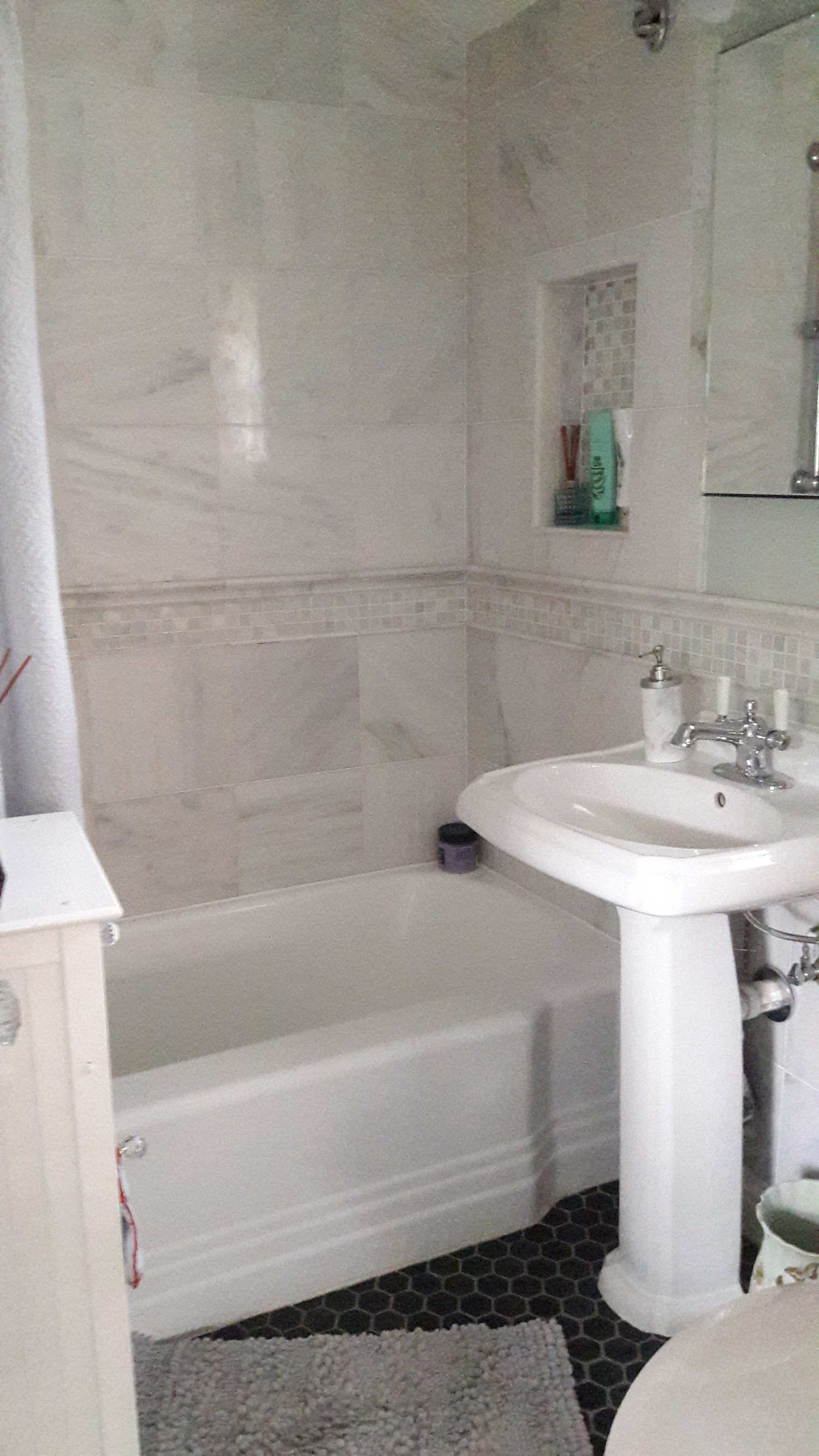 Private room and bath with easy access to transportation