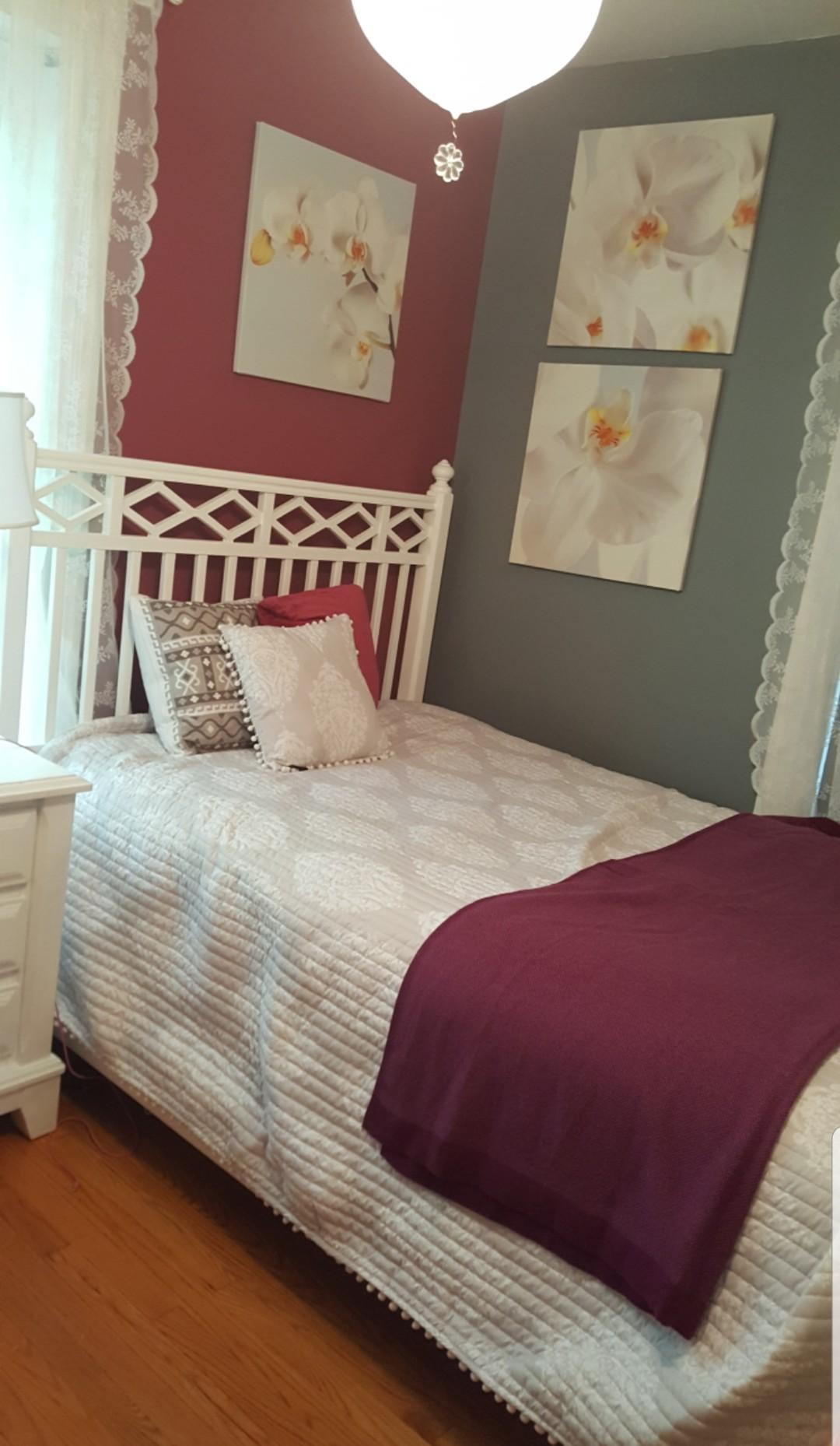Bed & Breakfast w/ 5 Nights Dinner Private Room in Boston, MA (Lillian B)