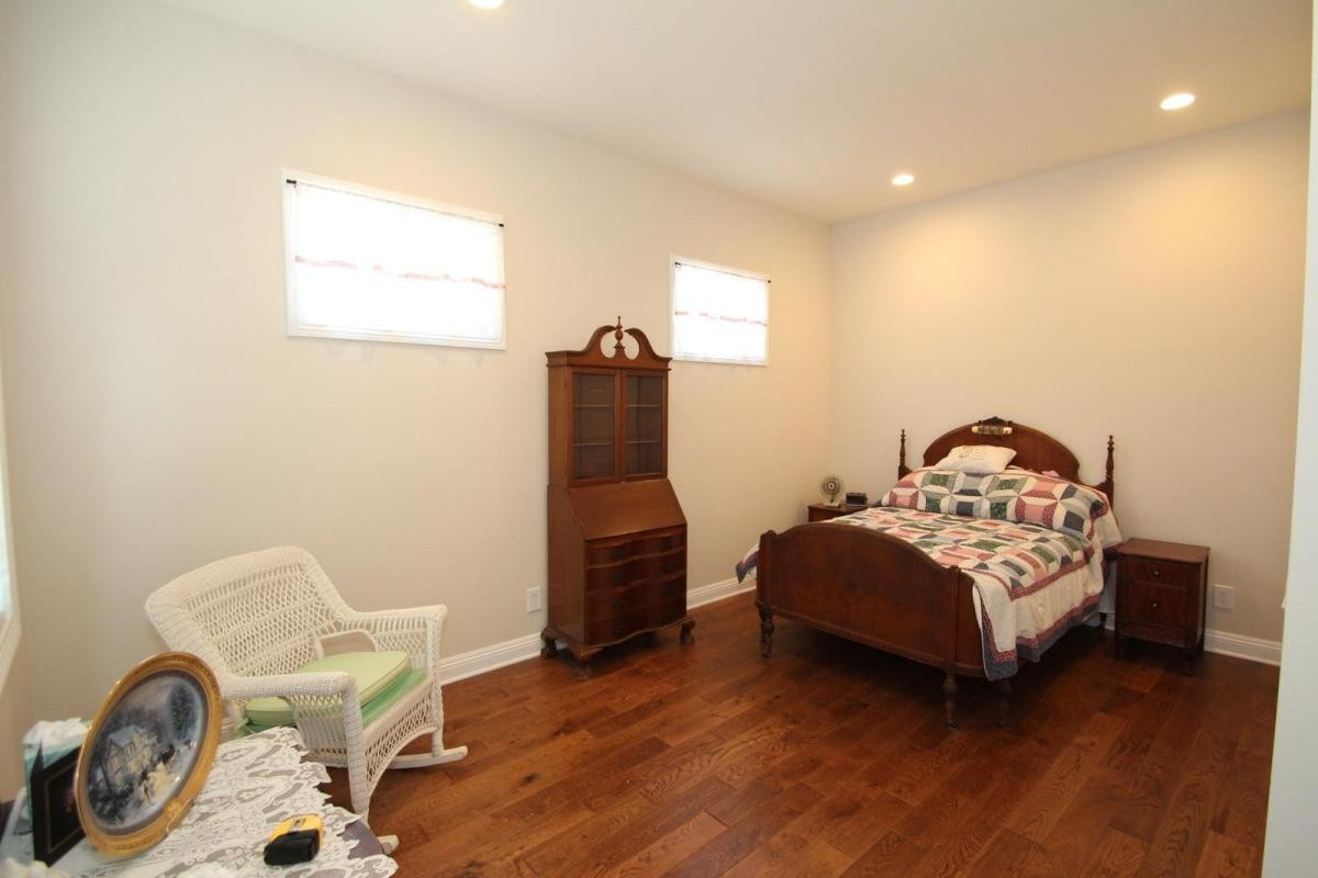 Large private room for rent
