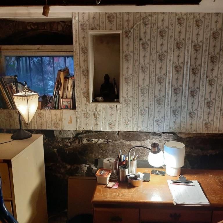 South End - cozy bedroom utilities & WiFi included in hist. district