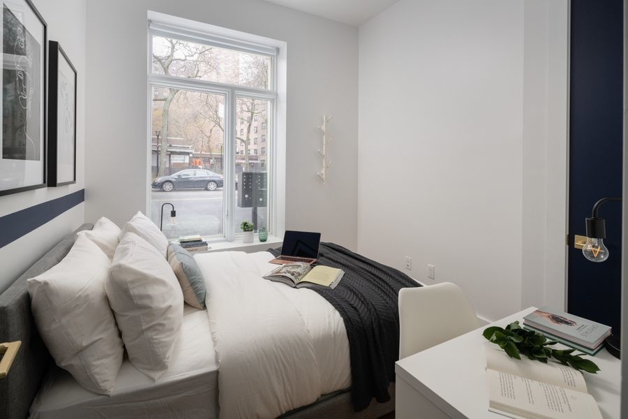 456 - Private furnished room in a 4 bedroom 1,5 bathroom apartment in Williamsburg