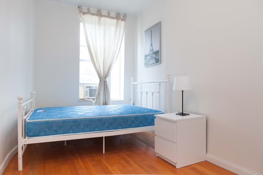 238 - Private furnished room in a 4 bedroom 1 bathroom apartment in Upper Manhattan