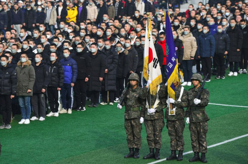 Albilad | Brothers in arms: S  Korea debates military