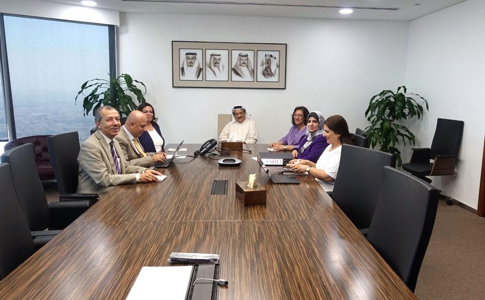 محمد بن عبدالله يترأس اجتماعاً لاستيعاب الأطباء الخريجين